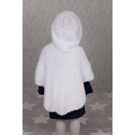 Peter Pan Precious Chunky - Pattern P1301 Hooded Cape